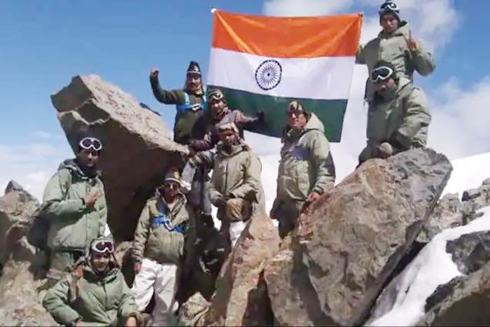 India pays tributes to war heroes on Kargil Vijay Diwas today